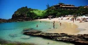 praias-buzios-pessoas_tn